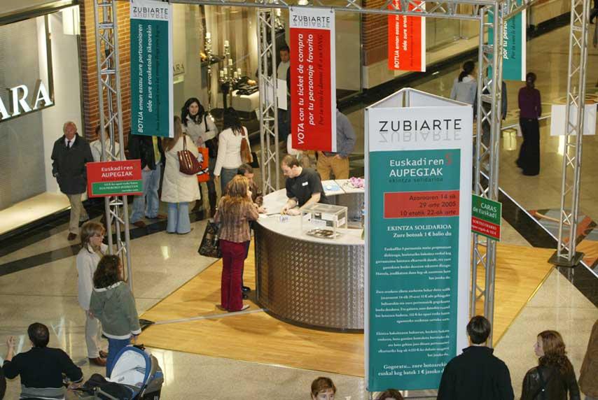 Stand de participación en el evento 5 Caras de Euskadi, en Zubiarte