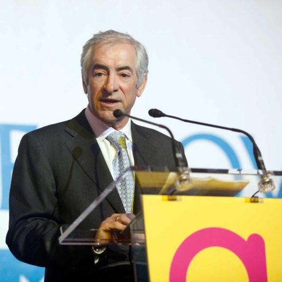 El Presidente de Metrovacesa hablando al público en la inauguración de Arenas de Barcelona