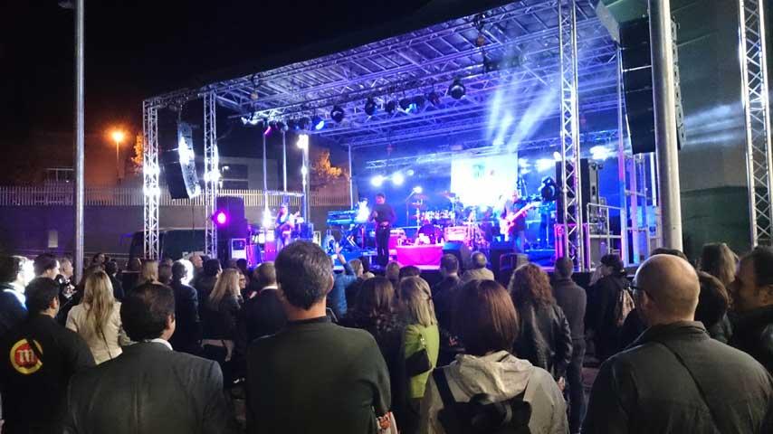 Concierto de rock en la inauguración de La Fira