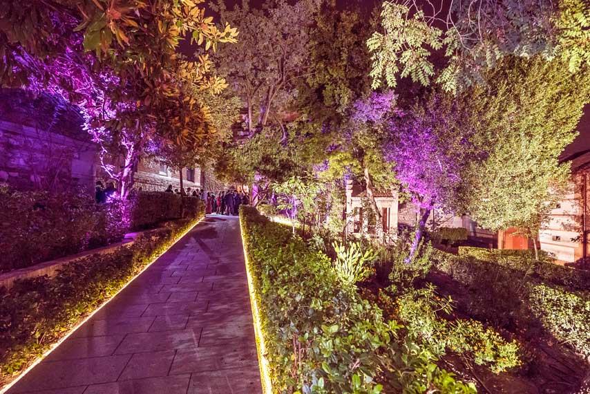 Jardines iluminados en la Real Fábrica de Tapices