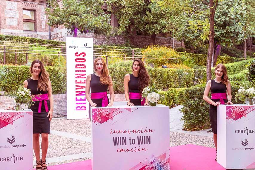 Azafatas en la gala Carrefour Property y Carmila 2017