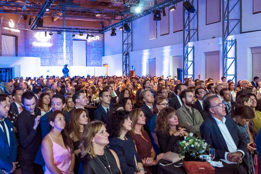 Público atendiendo a los discursos en la Gala Carrefour Property y Carmila 2017